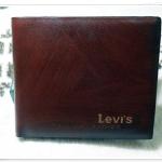 กระเป๋าสตางค์ Levis สีน้ำตาลลายไม้ Le5607