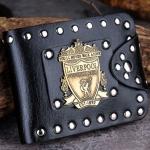 กระเป๋าสตางค์ผู้ชาย กระเป๋าสตางค์หนัง pu ลายทีมฟุตบอล Livepool ดีไซน์ ปักหมุดสีเงิน รอบใบ ใส่บัตรได้เยอะ กระเป๋าสตางค์เท่ ๆ 700465
