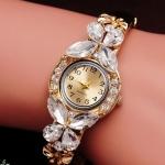 นาฬิกาข้อมือ นาฬิกาผู้หญิง แบบ กำไลข้อมือ ติดคริสตัล สีขาว ใส ผีเสื้อ ติดเพชร รอบหน้าปัด กำไลสีทอง ของขวัญให้แฟนสุดหรู ดูดีมากค่ะ 187211