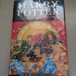 Harry potter and the deathly hallows / By J.K. Rowling. (เล่ม7 ปกแข็ง)