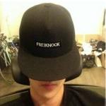 พร้อมส่ง หมวก FREIKNOOK [แบบเดียวกับSehunใส่]