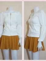 blouse1902 เสื้อแฟชั่นเข้ารูปผ้าสกินนี่(ยืดได้) ซิปหน้า แขนยาวชีฟองเปิดไหล่ สีขาวครีม