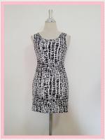 dress2085 เดรสแฟชั่นงานแพลตตินั่มผ้ายืดเนื้อดี แขนกุด ลายหินโทนสีขาวดำ ราคาปลีก : 160 บาท