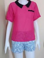 blouse1922 เสื้อแฟชั่นน่ารักคอปกดำ แขนสั้น กระเป๋าหลอก ผ้าชีฟองโปร่งสีชมพูช็อคกิ้งพิ้งค์