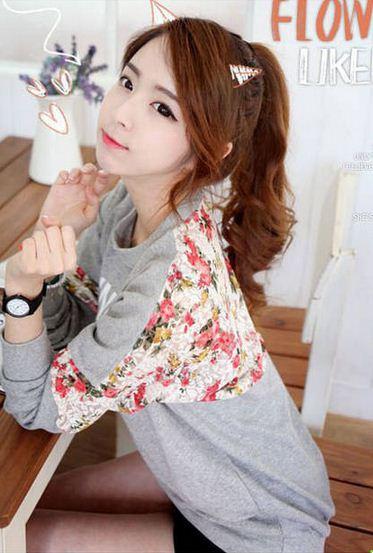 เสื้อแฟชั่นแขนยาว พร้อมส่ง แต่งลูกไม้ลายดอก สีดอกจะเข้มกว่าในภาพ เก๋ๆ เอวจั้ม น่ารัก เกาหลีมากจ้า