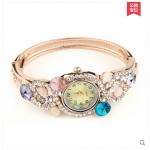 นาฬิกาประดับสวยสไตล์วินเทจ