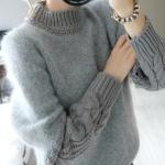 Sweater เสื้อไหมพรมถักขนๆ สีเทา แต่งดีเทลช่วงแข ใส่ตัวเดี๋ยวได้เลยเก๋ๆ ยืดได้เยอะ