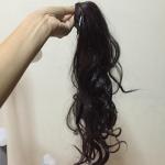 หางม้าแบบผูกลอน สีดำ เส้นผมทำมาจากไหมญี่ปุ่นเป่าลมอุ่นได้ค่ะ ภาพถ่ายจากสินค้าจริง