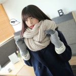 ผ้าพันคอไหมพรม เกาหลี สีเบจ มิกกับชุดไหนก็สวย ใส่ได้ทั้งผู้ชายและผู้หญิง พร้อมส่ง