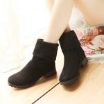 Boots รองเท้าบูท หนังกำมะหยี่สีดำ ใส่ได้ทั้งแบบสั้นและแบบยาว ด้านในเป็นกำมะหยี่นุ่มๆ งานดีเหมือนแบบค่ะ