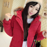 เสื้อกันหนาวฮู้ดดี้ แต่งขนเฟลอรอบฮู้ด น่ารัก ผ้าดีนิ่มมากๆ กันหนาวได้ดีเลยค่ะ พร้อมส่ง สีแดง