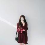 เสื้อไหมพรมตัวโคล่ง คอวี Sweater สีแดง ยืดได้เยอะ ผ้าเนื้อนุ่ม ใส่เดี่ยวๆ หวานๆ น่ารักมากค่าาา ><