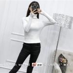 สีขาว: เสื้อสเวตเตอร์ ไหมพรมคอเต่า ยืดได้เยอะมาก ถ่ายจากงานจริง พร้อมส่ง สำเนา