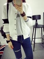 เสื้อคลุมเบสบอล ทรงสวยสีขาว แต่ขลิบสีดำ เก๋ๆ ใส่คลุมชิลๆ สบายๆ
